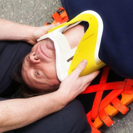 Primeros auxilios e inmovilización de accidentados y SVB